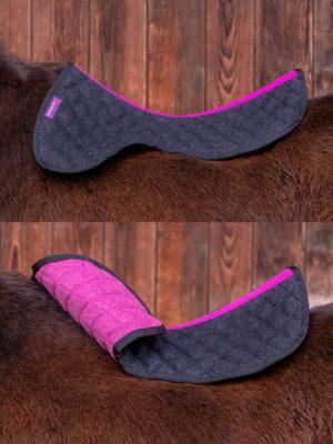 Sattelpad aus Wolle in der Farbe Schwarz Pink