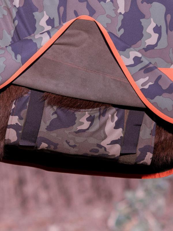 Bauchlatz Regendecke in Camouflage Orange